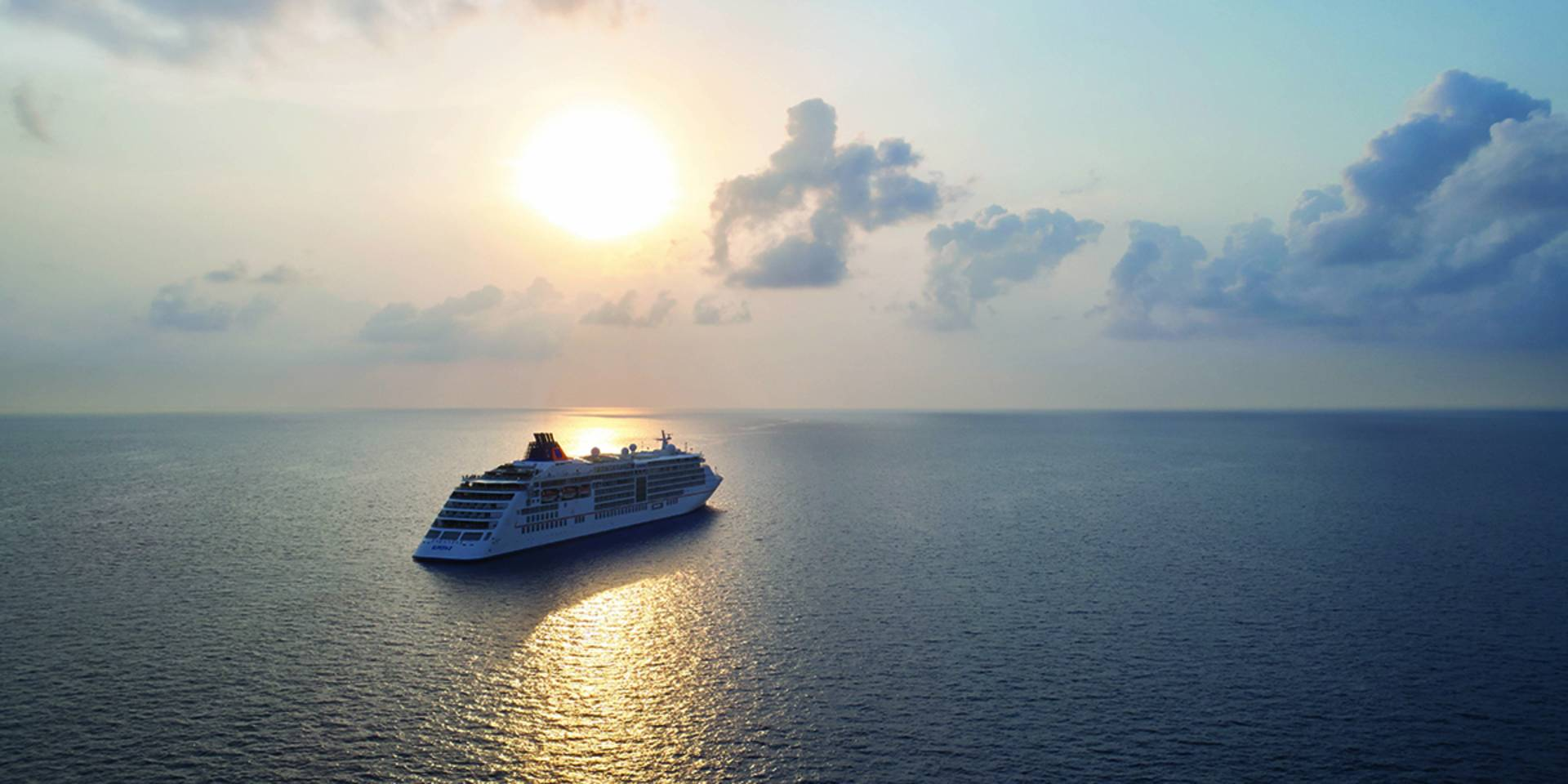 MS EUROPA 2 - The experience of luxury cruises - Hapag-Lloyd